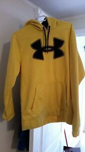 Like new under armour hoody