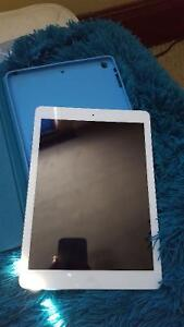 **IPAD AIR** mint condition $400 OBO