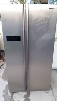 Samsung side by side stainless steel fridge/freezer, 630 ltr