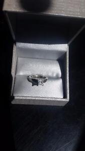 1 ct white gold diamond solitare engagement ring