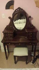 Solid Wood Beauty Vanity with Stool