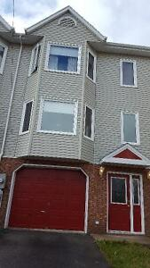 Beautiful 3 level townhouse in Bedford