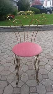Chaise decorative