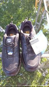 Brand new Dakota steel toe work shoes