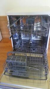 1.5 year old Brada 24 portable dishwasher West Island Greater Montréal image 3