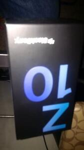 White Blackberry Z 10 with all accessories Cambridge Kitchener Area image 3