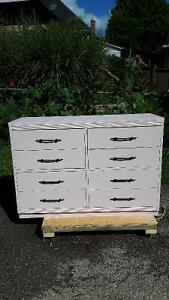 8 Drawer Dresser and Solid Mirror London Ontario image 3