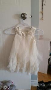 4T girl clothes, mint condition! Includes Fancy Dresses Gatineau Ottawa / Gatineau Area image 2