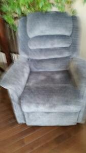 Catnapper Powered Recliner - Grey