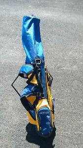 Wilson Kids Golf Clubs and Bag (Right Handed)