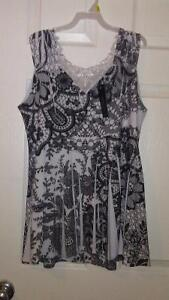 Pretty Woman Lace back tank top size m Regina Regina Area image 1