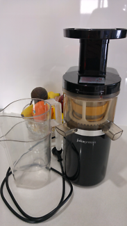 Coway Juicepresso CJP 01. Slow Juicer. Fruit Juice