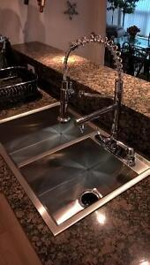 MODERN KITCHEN DUAL FAUCET PULLOUT  SINGLE HOLE