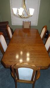 Solid wood dining room Table,6 chairs and solid wood Hutch