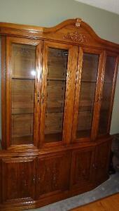 Solid wood dining room Table,6 chairs and solid wood Hutch Cambridge Kitchener Area image 2