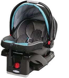 Graco Snugride 35 Click and Connect Infant Car seat and Base