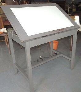 ISO lighted drafting table