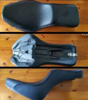 HARLEY SOFTAIL SEAT