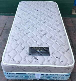 Excellent Single Bed Set for sale. Delivery available