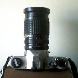 Pentax Asahi K1000 body wIth SMC Pentax-A Zoom lens 1:3.5 35~105mm with macro facility