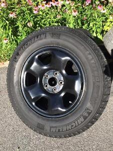 Set of 245/65R17 Winter Tires with tpms on Black Rims Gatineau Ottawa / Gatineau Area image 2