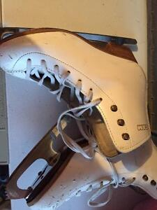 GAM figure skates size 1.5 Kitchener / Waterloo Kitchener Area image 1