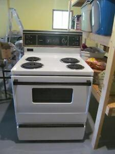 Kenmore Stove - Liverpool Area