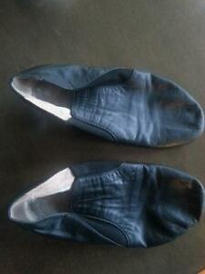 Bloch leather jazz dance shoes size 6