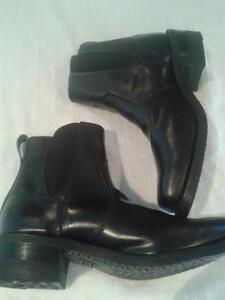 DAYTON Shoes Various sizes and styles
