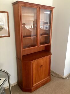 Parker Cabinet and Hutch