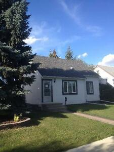 BEAUTIFULLY RENOVATED 4 BEDROOM HOME, PERFECT FOR UofA STUDENTS
