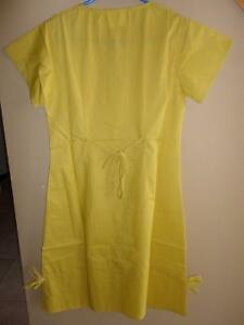 Women's Medical Professional scrub dress green peach yellow London Ontario image 10