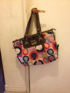 im selling some of my purses because i have too many London Ontario image 6