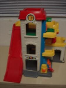 Garage ''Lave-auto'' Fisher Price