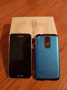 Telus Samsung S5 w/case