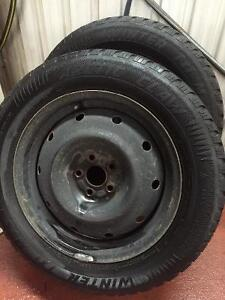 Arctic Claw Set of 4 Tires on Rims 215/60R16