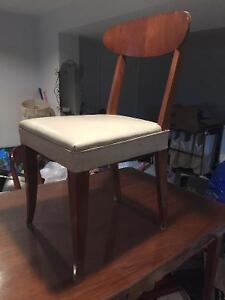 Retro kitchen table and 4 matching wood chairs