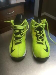 Mens size 6Y Nike Basketball Shoes