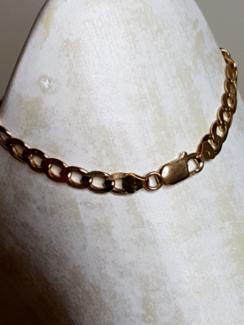 Solid 9ct gold bracelet ( not filled )
