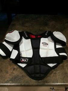 hockey elbow pads, chest protector and dry star shirt Belleville Belleville Area image 1