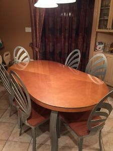 Dining room table (wood) and 6 chairs