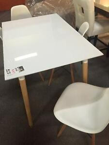 Glossy looking, modern designed 5 pc dining set