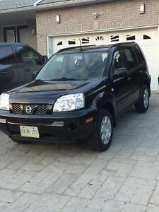 2005 Nissan SUV, very clean car. With set of winters Cambridge Kitchener Area image 2