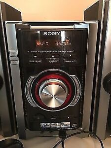 Stereo SONY AUX, AM/FM, CD, MP3 + Sub