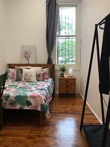CHIPPENDALE BRAND NEW, FULLY FURNISHED ROOM IN A STYLISH TERRACE