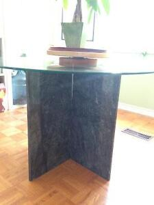 Beautiful glass and marble table Peterborough Peterborough Area image 3