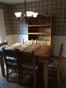Beautiful solid wood dining table, six chairs and hutch London Ontario image 1