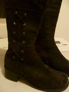 "LEATHER BROWN SUEDE BOOTS SZ 8- ""THE KICK"""