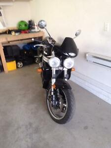 Speed triple 2001 impeccable seulement 18,000km