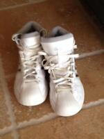 Nice Basketball shoes size 9.5 mens
